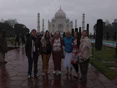 Regnigt besök vid Taj Mahal