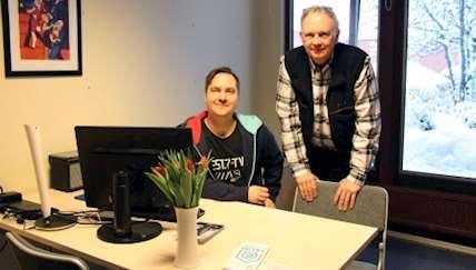 Johannes Hallman (handledare Storuman) och Benny Lindh (handledare Tärnaby) på plats i eRUM på Storumans bibliotek.